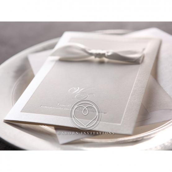 classic-ambiance-invite-card-M18754