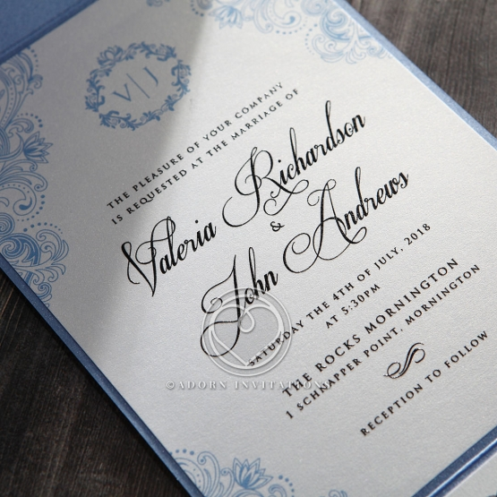 graceful-wreath-pocket-invite-card-design-IAB11128