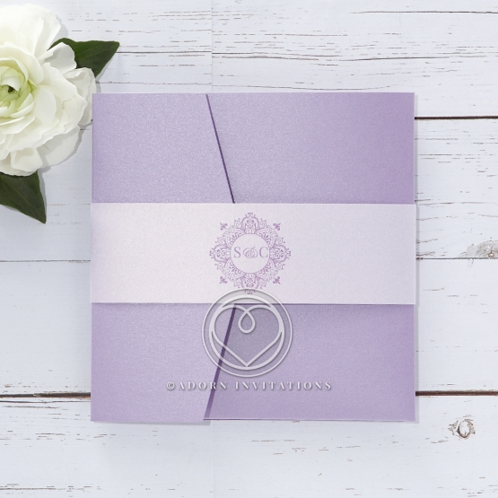 Light purple outer pocket wrapped by elegant paper band with pearlised inner card